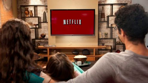 Family_in_living_room_4_-_Netflix_Logo_on_Red