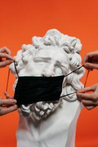Έλληνες & Κορωνοϊός: Μια χώρα σε συνθήκες πρωτόγνωρες
